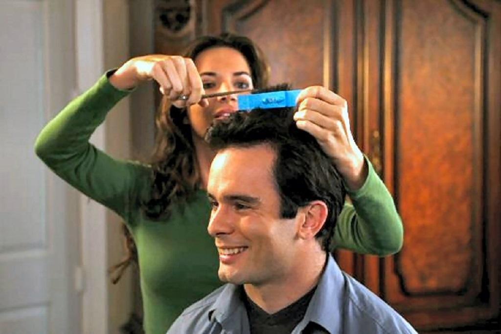 Cómo cortar el pelo a un hombre en casa
